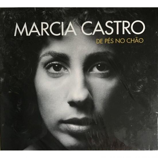 Marcia Castro-de pés no chão